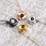 Pendentif Petit Cœur Avec Patte Chat : 4 couleurs : Noir, Or, Argent et Rose